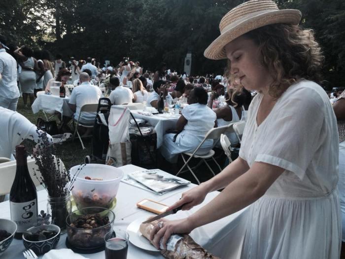white picnic2