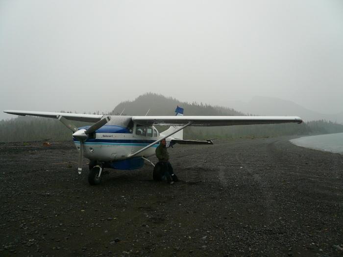 AlaskaIslandBeaverPlane2