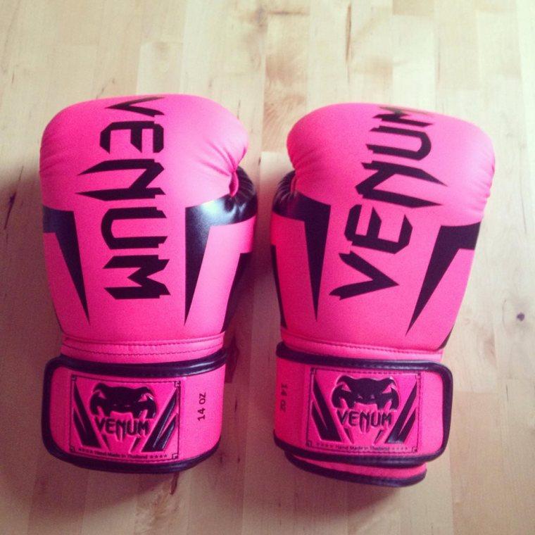 pink_gloves